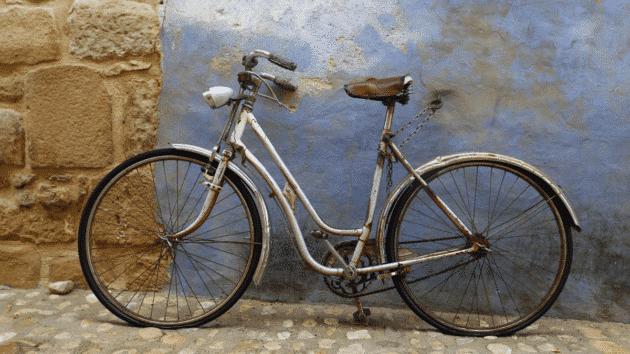L'histoire des vélos. DINGOVELOS
